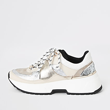 White chunky sole lace-up runner