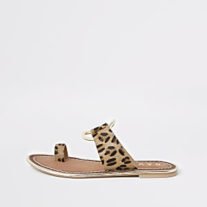 Ravel brown leopard print toe ring sandals