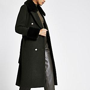 Manteau kaki avec ceinture nouée et col en fausse fourrure
