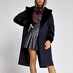Marineblauer doppelreihiger Mantel mit Kunstfellbesatz