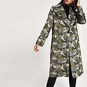 Langer grauer Mantel mit Camouflage-Muster