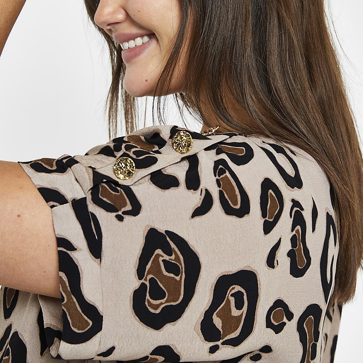 Plus brown leopard print button T-shirt
