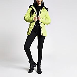 Doudoune jaune à capuche avec fausse fourrure et ceinture