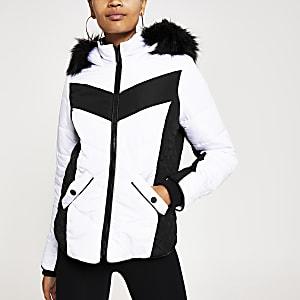 Weiße, gepolsterte Jacke mit Kunstfellkapuze