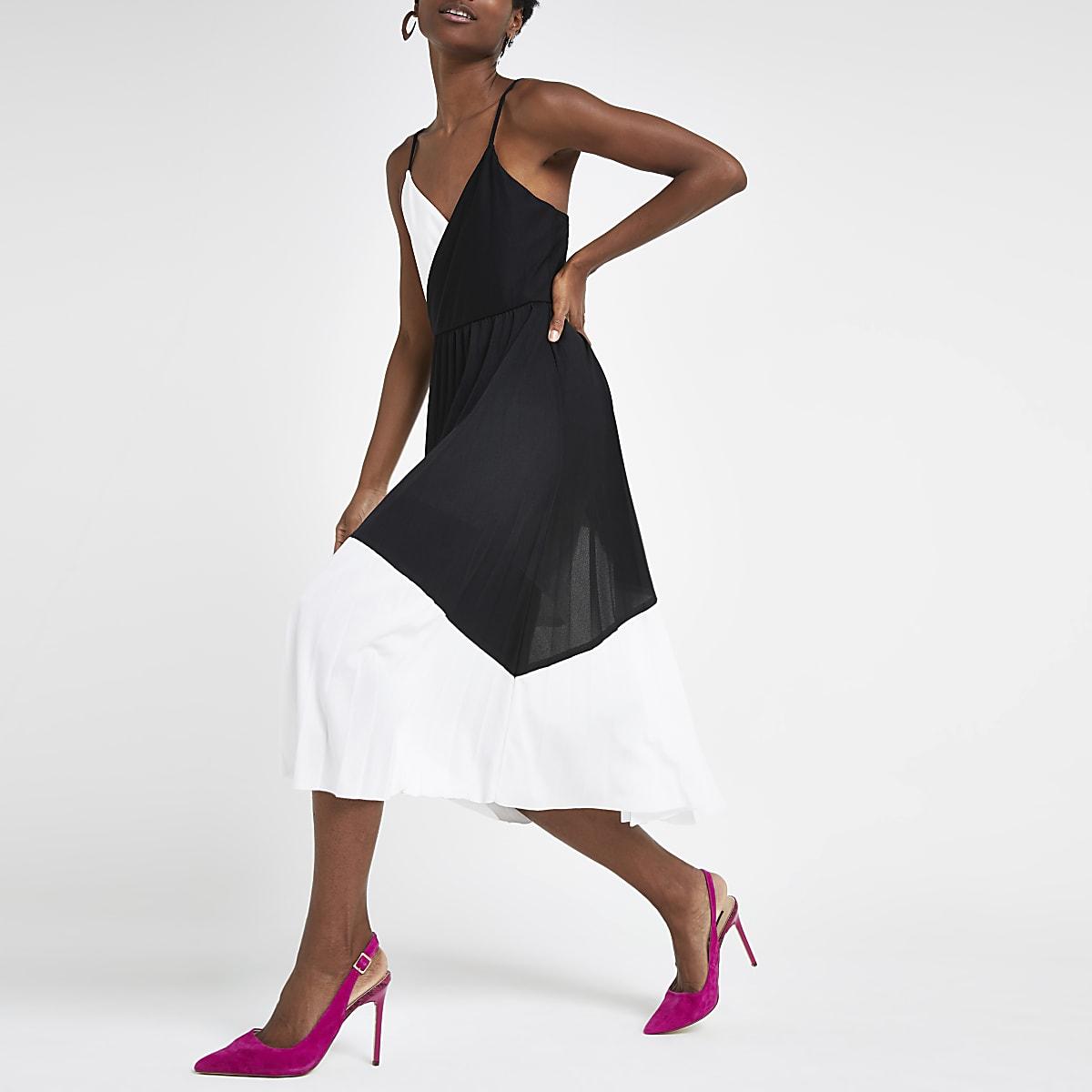 Black color block plisse wrap dress