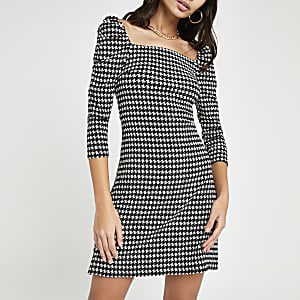 Black print square neck puff sleeve dress