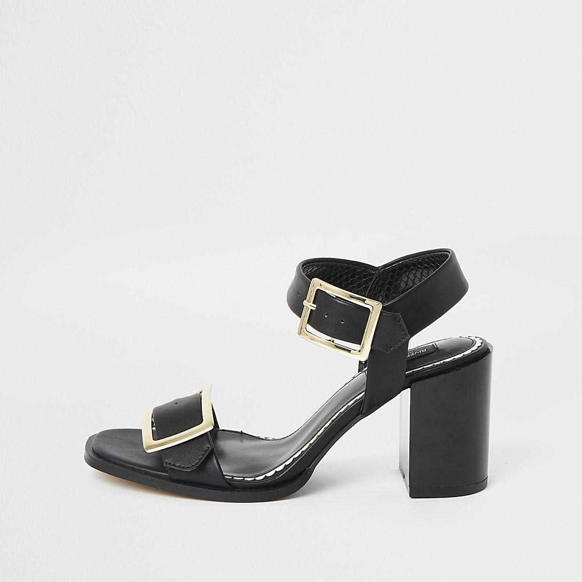 Zwarte sandalen met brede pasvorm met gesp en blokhak