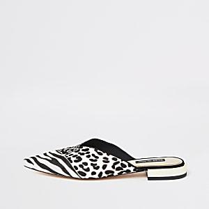 Witte loafers zonder hiel met gecombineerde dierenprint