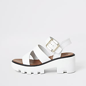 Witte sandalen met profielzool