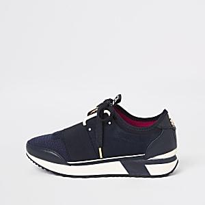 Marineblaue Sneakers zum Schnüren
