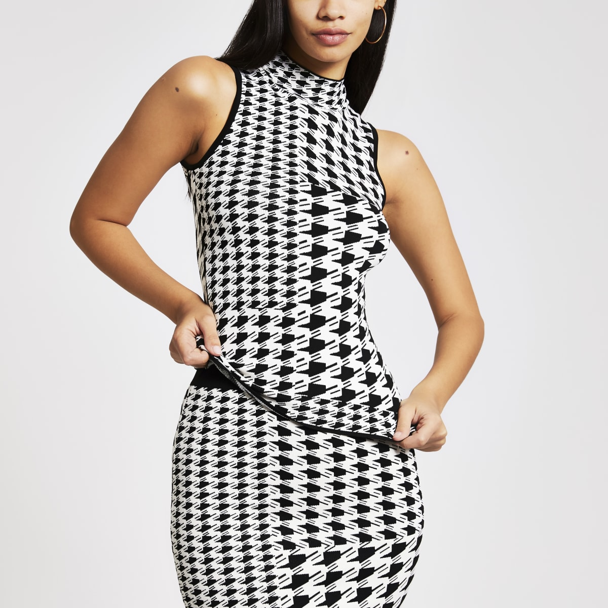 White dogtooth check roll neck tank top