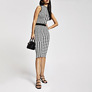 White dogtooth check midi skirt