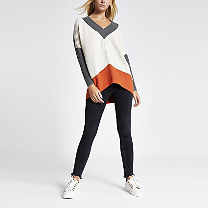 Grey colour blocked V neck knitted jumper