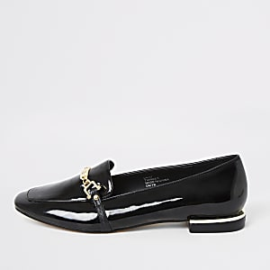 Black patent snaffle chain ballet shoes