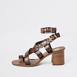 Brown leather toe ring block heel sandals