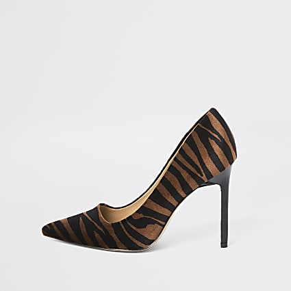 Brown tiger print court shoes