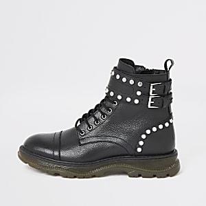Zwarte leren wandellaarzen met vetersluiting en studs