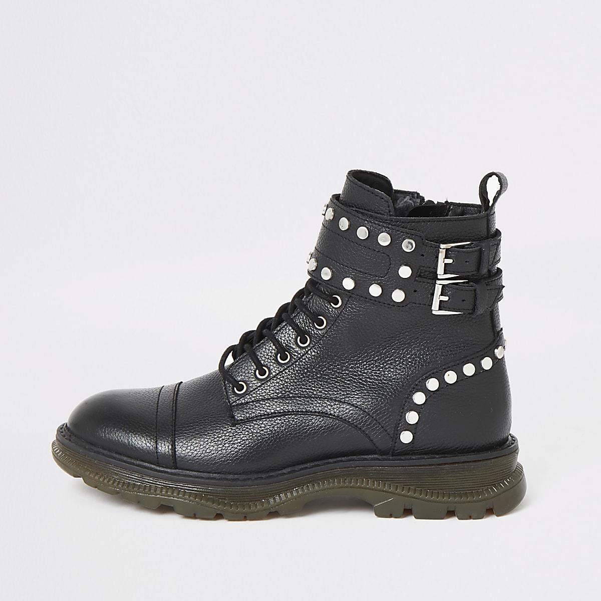 Chaussures de randonnée en cuir noir à lacets cloutées