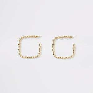 Goudkleurige vierkante oorringen met textuur