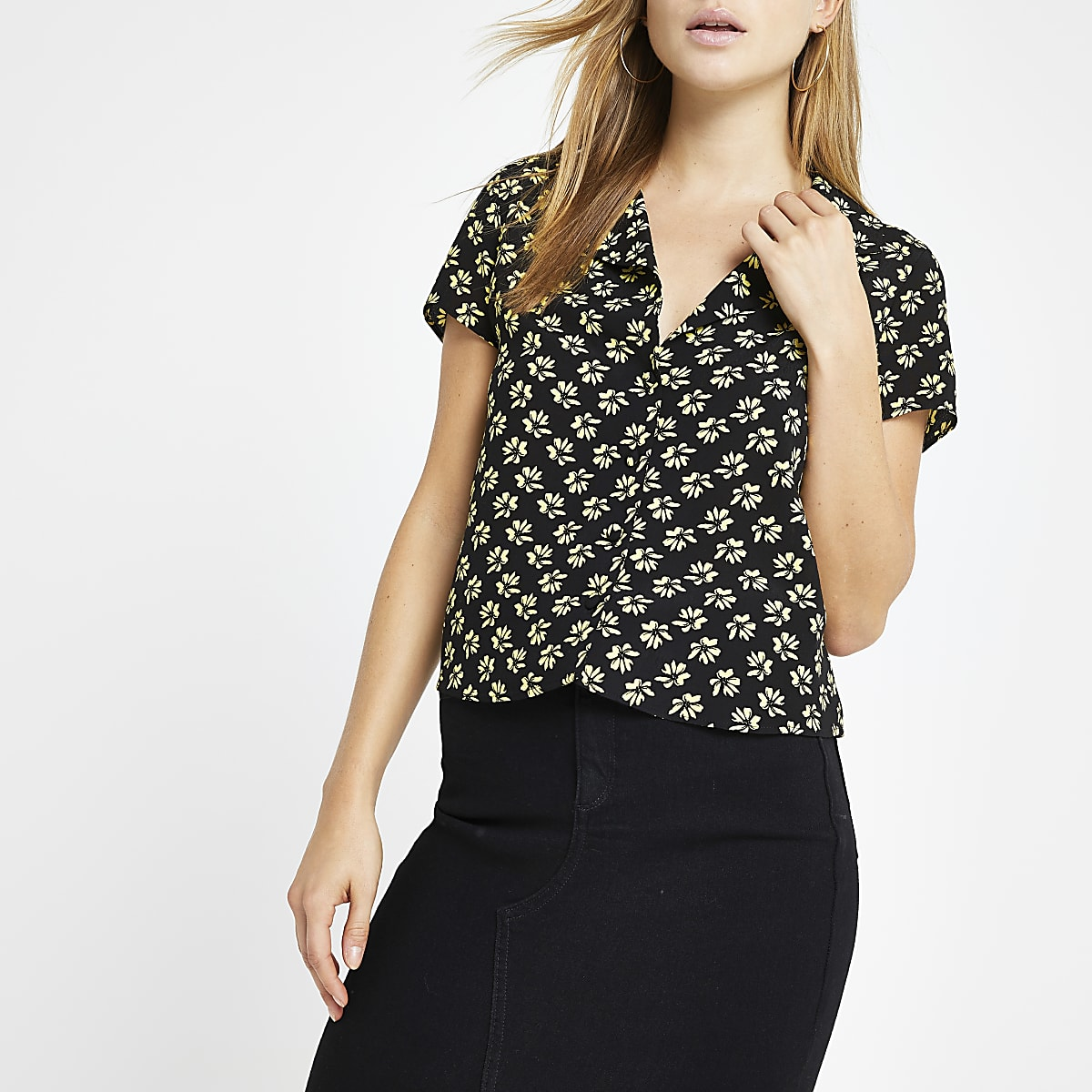 Black ditsy print crop shirt