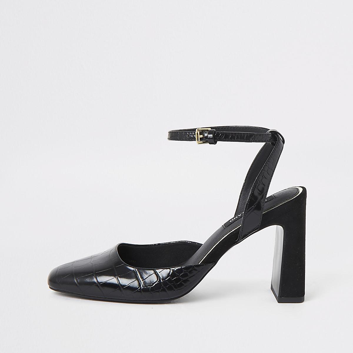 Zwarte pumps met hak, krokodillenprint en vierkante neus