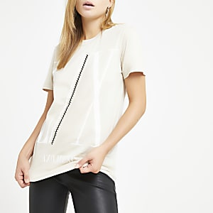T-shirt boyfriend beige avec bordure à strass