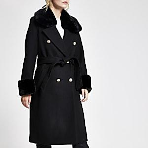 Petite – Schwarzer Mantel mit Kunstfellkragen und Bindegürtel