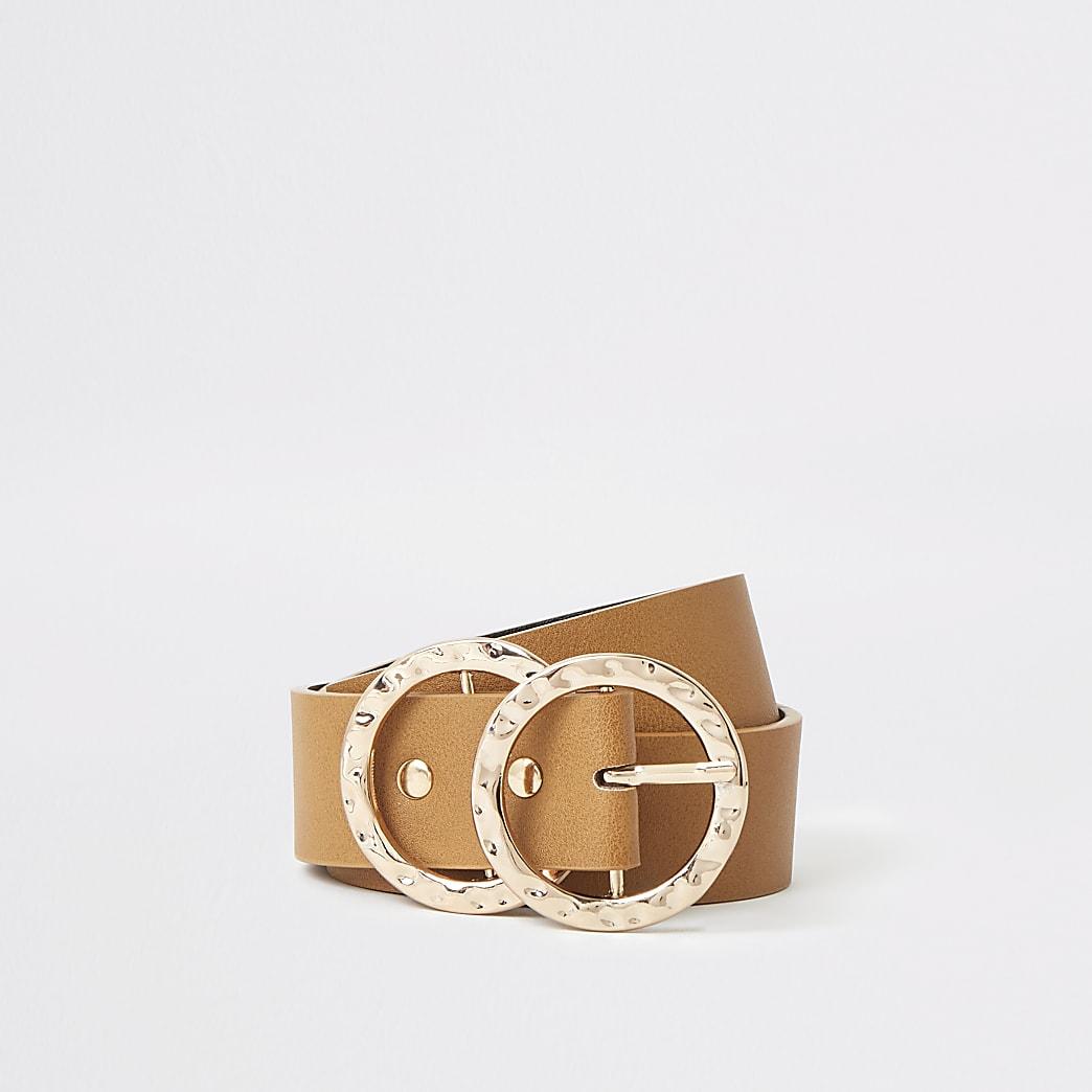 Bruine riem met geslagen dubbele ringvormige gesp