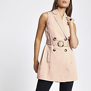 Robe rose à ceinture sans manches