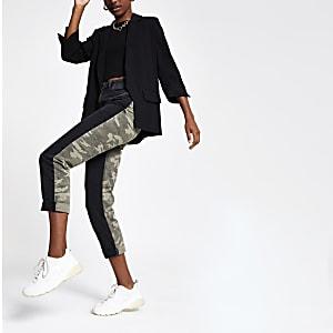 Zwarte mom jeans met camouflageprint