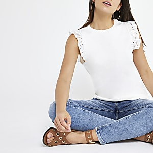 Petite – T-shirt blanc avec volant brodé