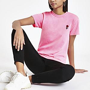 Neonroze T-shirt met geborduurde roos