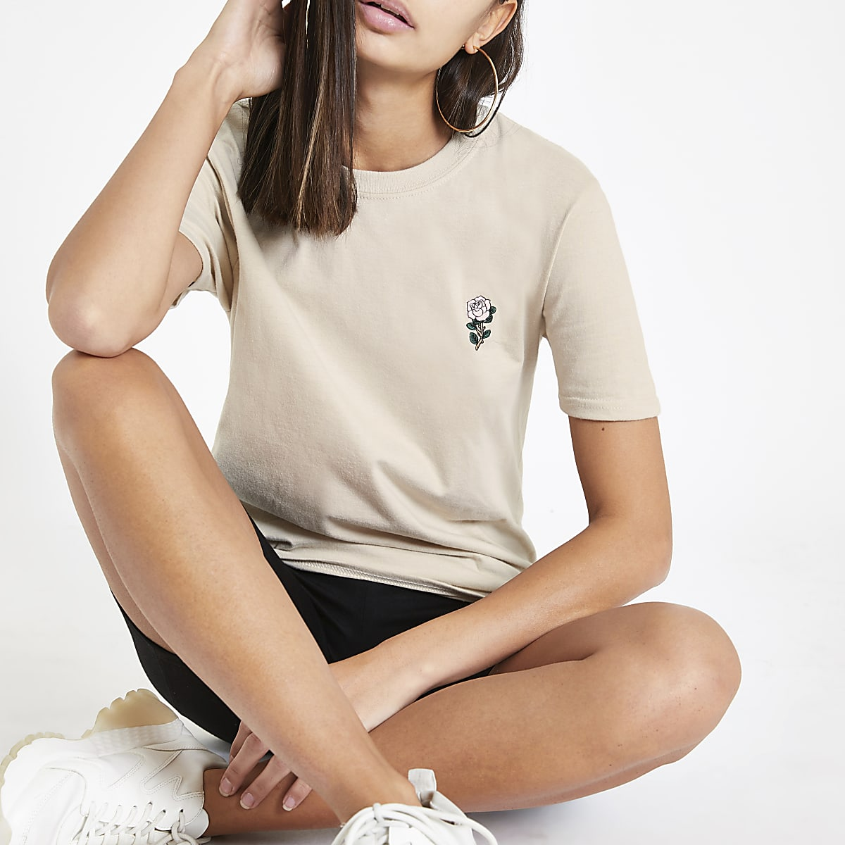 Beige rose embroidered T-shirt