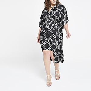 RI Plus - Zwarte kimonojurk met print