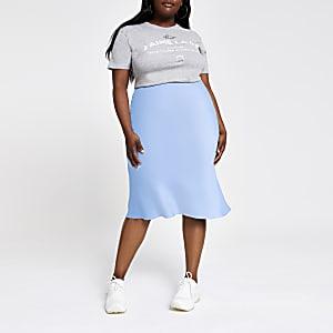 Plus – Jupe mi-longue coupée en biais bleue