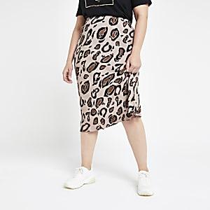 Plus – Jupe mi-longue léopard marron coupée en biais
