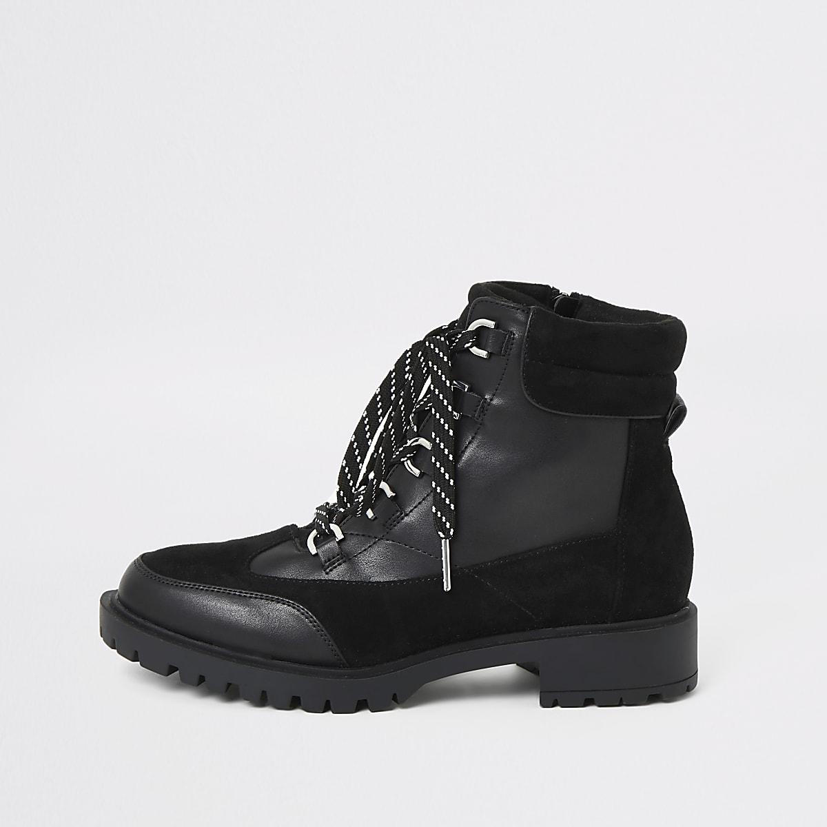 Zwarte stevige wandelschoenen met veters