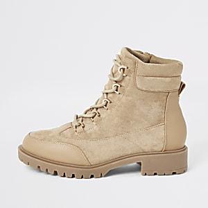 Chaussures de randonnée beige clair à semelleépaisse et lacets