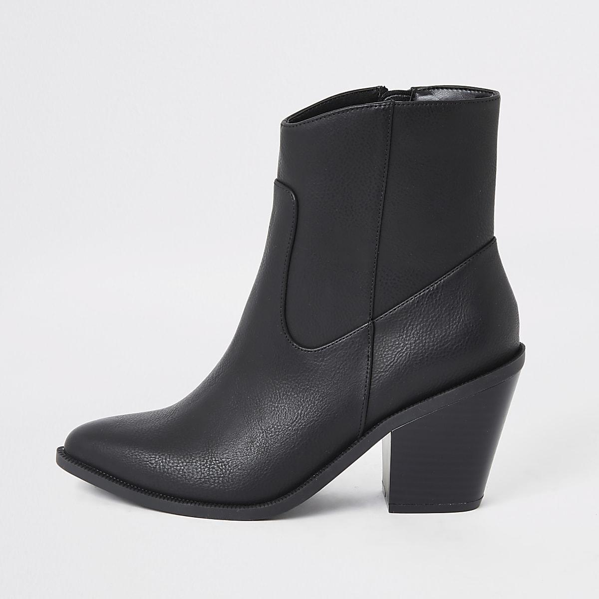 Bottines noires style western