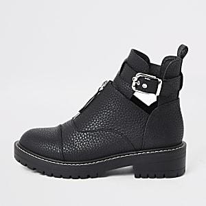 Zwarte stevige laarzen met uitsnijding en gesp