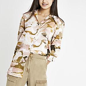 Pink camo print roll sleeve shirt