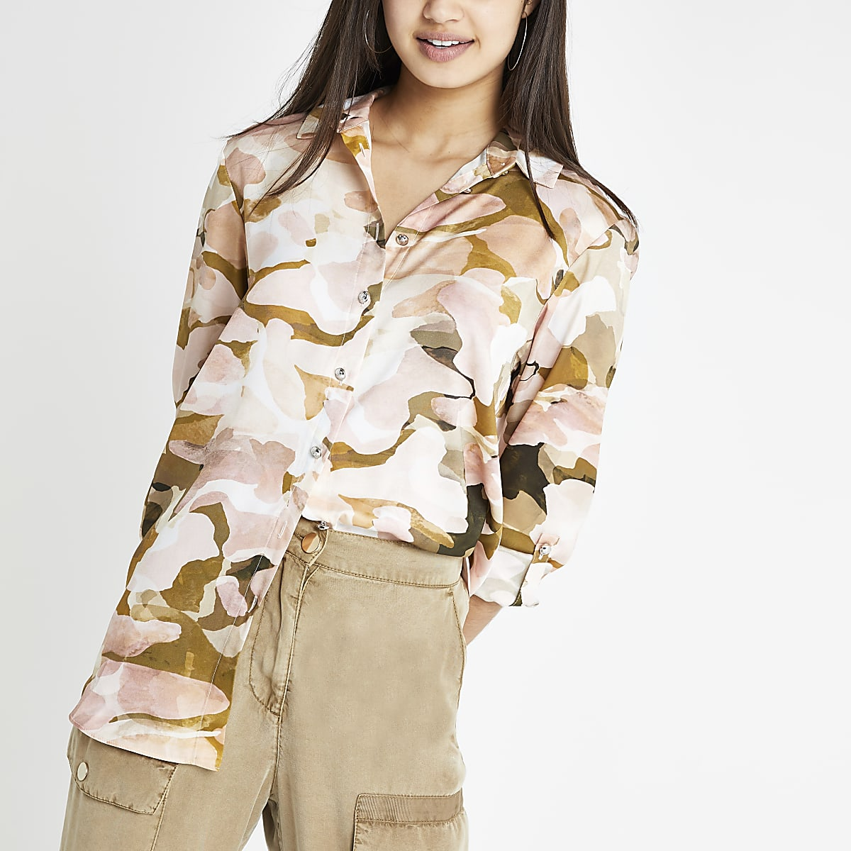 Pink camo print roll sleeve shirt