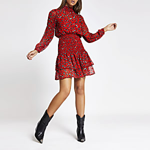 Robe léopard rouge à volants superposés