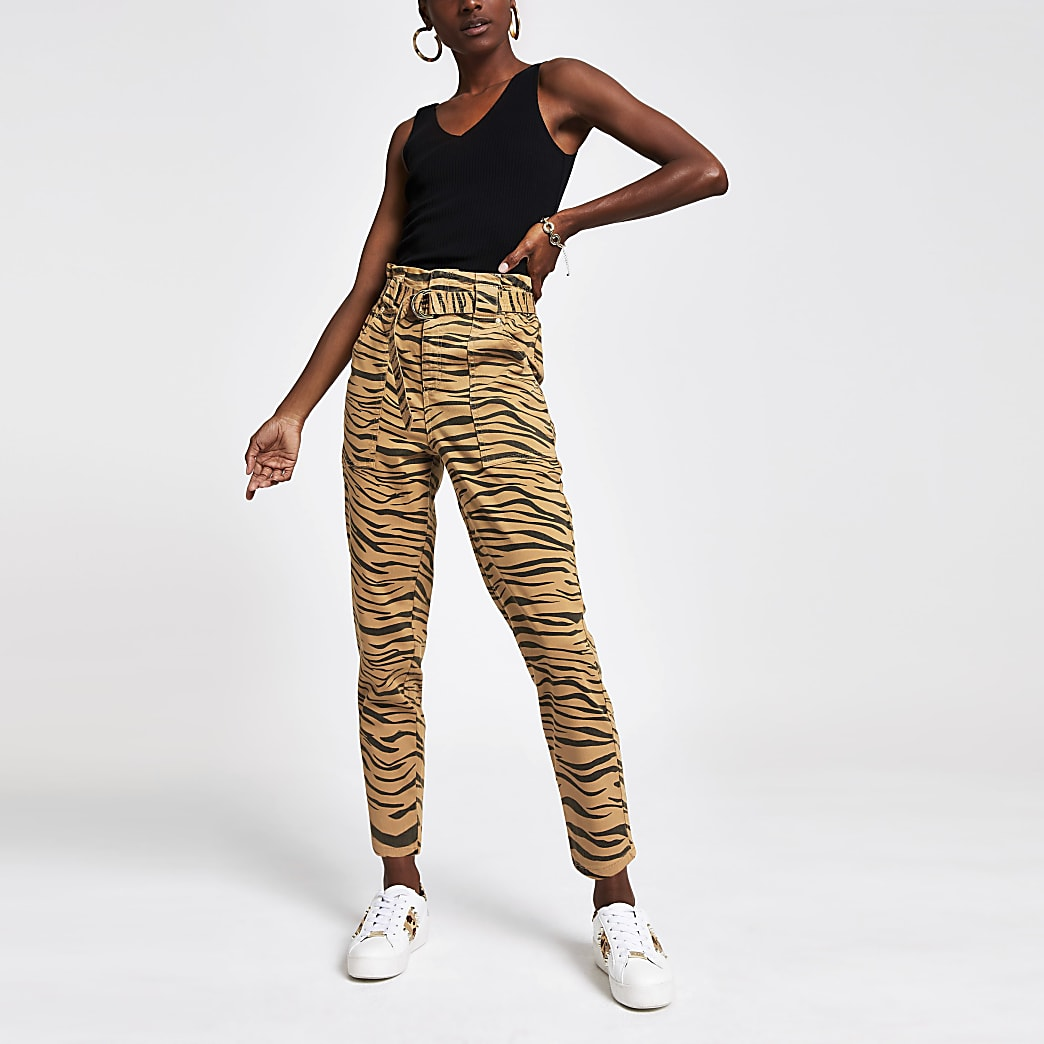 Paperbag-Jeans mit Tigerprint in Beige