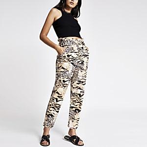 Braune Paperbag-Jeans mit Animal-Print