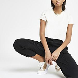 T-shirt court beige à manches courtes