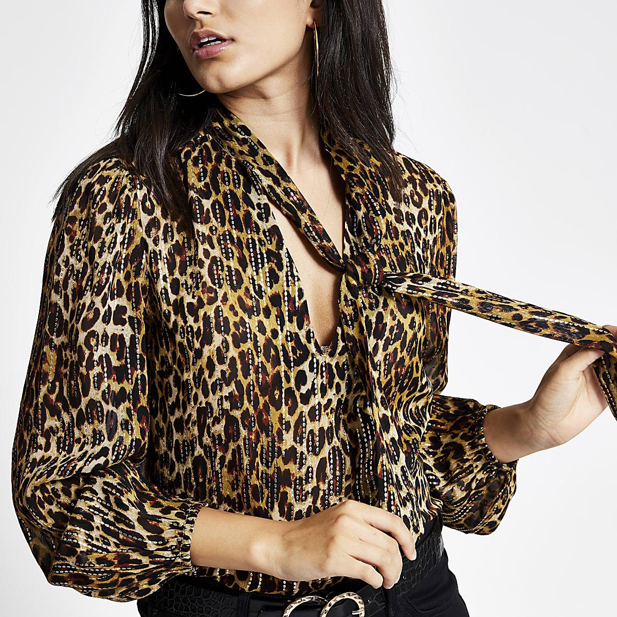 Bruine blouse met luipaardprint en strik bij de hals