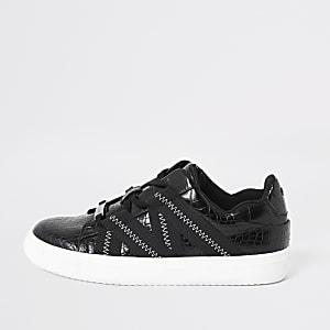 Zwarte vetersneakers met krokodillenprint in reliëf en biezen