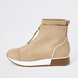 Beige Stiefletten aus Wildlederimitat im Sneaker-Stil mit Reißverschluss vorn und Socken-Besatz