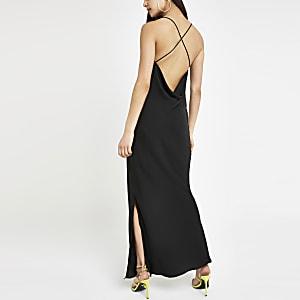 Robe longue noire à bretelles